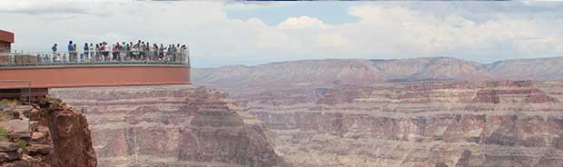 Une vue de la passerelle du Grand Canyon.